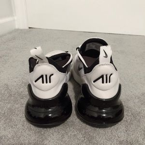 NIKE AIRMAX (BLACK AND WHITE) ONLY USED ONCE!